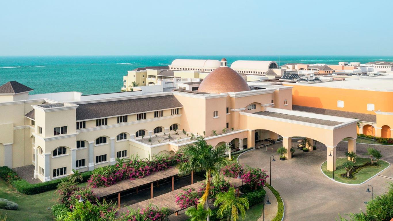 Iberostar grand hotel rose hall montego bay iberostar for Hotel luxury jamaica